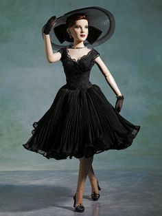 Portrait of Glamour | Tonner Doll Company