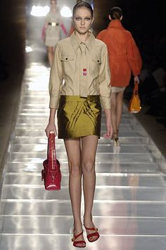 Louis Vuitton Spring 2006 Ready-to-Wear Fashion Show - Trish Goff