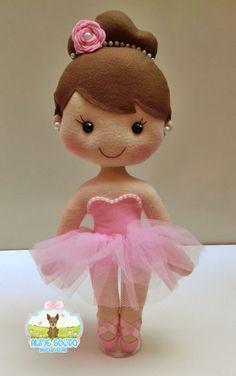 Bailarina em Feltro no Elo7 | Aline Souto - Arte em Feltro (C05795) Felt Doll Patterns, Baby Shawer, Ties That Bind, Sewing Dolls, Polymer Clay Crafts, Felt Toys, Cute Dolls, Handmade Toys, Kids Toys