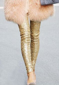 Chic gold sequined leggings - on sale for $23! http://rstyle.me/n/vbcknnyg6