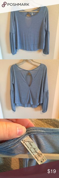 Free People Top Romantic Free People top in great used condition! Free People Tops