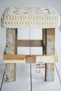 By wood & wool stool / Ingrid Jansen