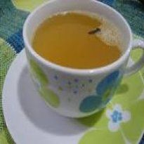Chá de abacaxi, gengibre, cravo e canela