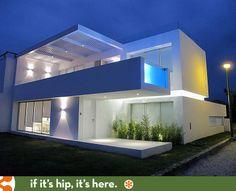 Modern Beach House In Peru With Overhang Pool: Casa Playa Blanca
