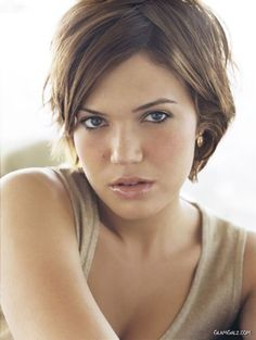 "pixie cut like Mandy Moore, very much the ""I don't care a lot about my hairstyle"" look I'm shooting for"