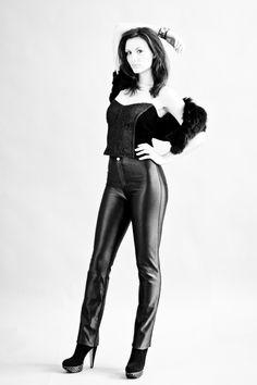 Cavortress Vintage Pants: Happy Legs  Top:  unlabeled  Fur: Milano