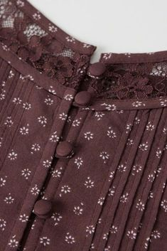Salwar Designs, Churidar Neck Designs, Simple Kurti Designs, Kurta Neck Design, Kurta Designs Women, Kurti Designs Party Wear, Neck Designs For Suits, Neckline Designs, Sleeves Designs For Dresses