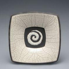 Piastra in ceramica raku bianco licenziato con spirale home