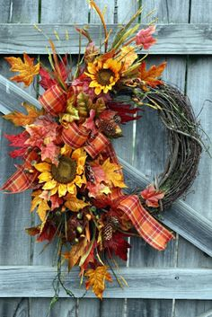 Tournesols / I would love this one for my front door. Thanksgiving Wreaths, Autumn Wreaths, Holiday Wreaths, Thanksgiving Decorations, Harvest Decorations, Wreath Fall, Christmas Holiday, Christmas Decor, Fake Flowers