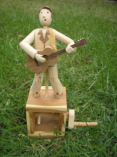 wobbly elvis wooden automaton Automata made by Wanda Sowry www.wandasowry.co.uk