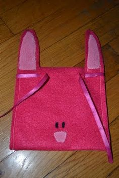 Come Together Kids: Felt Bunny Treat Bags