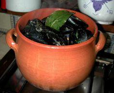 Zuppa di ceci e cozze: mezze maniche ceci e cozze. Piatto etrusco, Ingredienti per 4 persone: 300g pasta 280g ceci secchi... http://www.ibiscusgadget.it/ricette/