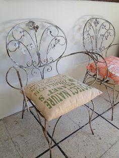 TIENDA DECOSABORES Vanity Bench, Iron, Tea Time, Furniture, Home Decor, Couches, Store, Decoration Home, Room Decor