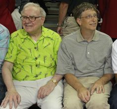 Bill Gates and Warren Buffet Bill Gates and Warren Buffet Warren Buffett, Bill Gates Steve Jobs, Fidel Castro, Real Estate Business, Rich People, World Leaders, Gossip Girl, A Good Man, Famous People