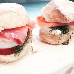 #lovefood #love_food #cateringmilano #foodporn  #food #recipe #bread #sandwich #salmon #fish