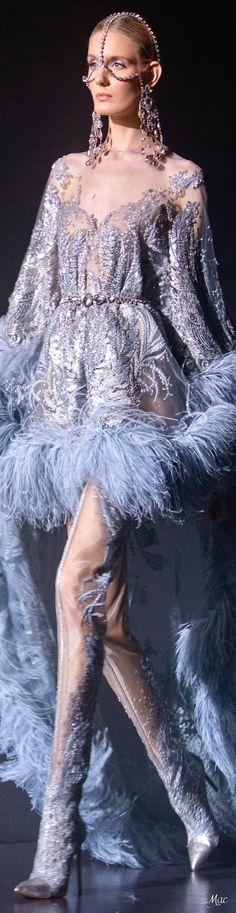 Spring 2021 Haute Couture Elie Saab Ellie Saab Gowns, Runway Fashion, Fashion Show, Fashion 2020, Women's Fashion, Elie Saab Spring, Elie Saab Couture, Haute Couture Fashion, Designer Gowns