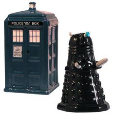 Well this is just delightful. Salt and pepper shakers in the form of the TARDIS and a Dalek.