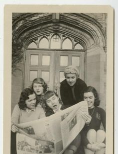 Group of students, l-r, Marjorie (Marge) Marshall Priscilla (Prill) Stein Jennifer Pyne Joan Redin and Joan Bagley sharing a newspaper on the steps of South Manelle Hall :: 1947 :: MHC Archives and Special Collections Digital Images Mount Holyoke College, Photo Projects, Digital Image, Newspaper, 1920s, Students, Collections, Group, Artwork