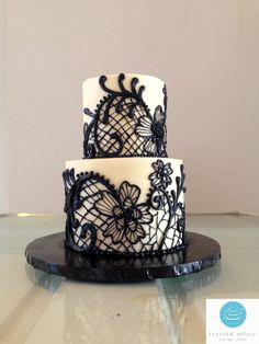 Buttercream cake with floral print piping!