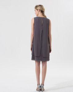 Robe grise col collier Amal 1 1.2.3