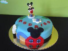 Rodrigo na casa do Mickey Mouse