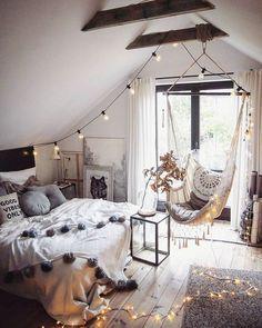 Bohemian Room Decor, Boho Chic Bedroom, Bohemian Style Bedrooms, Modern Bedroom, Bedroom Rustic, Contemporary Bedroom, Ikea Boho Bedroom, Mirrored Bedroom, Minimalist Bedroom