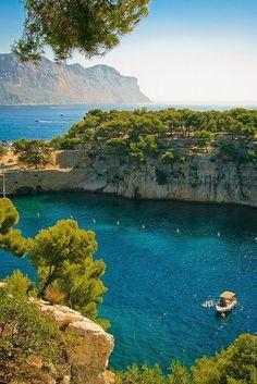 Calanque National Park, Provence, France | PicadoTur - Consultoria em Viagens | Agencia de viagem | picadotur@gmail.com | (13) 98153-4577 | Temos whatsapp, facebook, skype, twiter.. e mais! Siga nos|