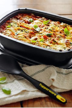 Spinach and ricotta baked pasta shells recipe by Tupperware.