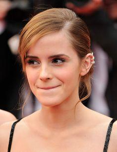 Emma Watson is famous for playing Hermione Granger in Harry Potter. Emma Love, Emma Watson Beautiful, Emma Watson Sexiest, My Emma, Hermione Granger, Emma Watson Instagram, Maquillage Emma Watson, Emma Watson Linda, Emma Watson Cute