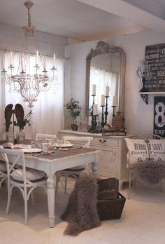 For all my friends re doing tables.... This is good. Plus it's a snapshot of my dream dining area.