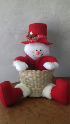 Snowman Crafts, Christmas Traditions, Holidays And Events, Christmas Stockings, Elsa, Projects To Try, Lily, Clip Art, Traditional