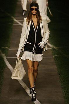 2010 Spring-Summer Prêt à Porter Collection