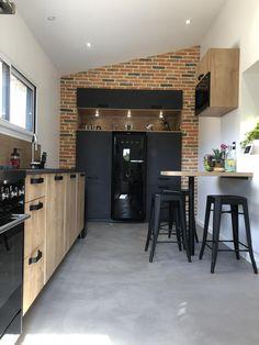 Window Parts, Antique Door Knobs, House Windows, Kitchen Furniture, Interior Design Living Room, Kitchen Remodel, Sweet Home, New Homes, Inspiration