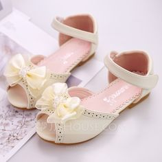 Girl's Peep Toe Ballet Flat Microfiber Leather Flat Heel Flats Flower Girl Shoes With Beading Bowknot Velcro Flower - Girls' Shoes - JJsHouse Cute Girl Shoes, Flower Girl Shoes, Cute Heels, Baby Girl Shoes, Kid Shoes, Girls Shoes, Shoes Women, Huarache, Girls Ballet Flats