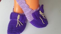 fiyonklu patik sende yap Sock Shoes, Baby Shoes, Crochet Slippers, Yeezy, Barefoot, Adidas Sneakers, Footwear, Converse, Clothes
