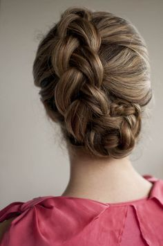Romantic look: Dutch braided updo