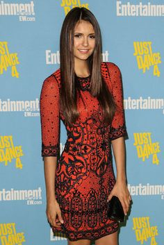TVD's Nina Dobrev striking a pose on the red carpet at the SDCC, ohhh the dress