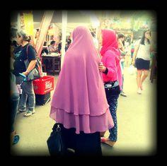 True Hijab. #Syari #Khimar #LongDres purple and black so cool ;)