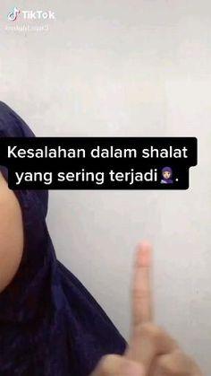 Pray Quotes, Quran Quotes Love, Quran Quotes Inspirational, Islamic Love Quotes, Muslim Quotes, Inspirational Videos, Book Quotes, Reminder Quotes, Self Reminder
