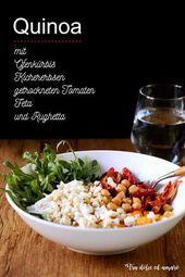 Tra dolce ed amaro: Ein Salat zeigt Muskeln: Insalatone mit Quinoa und Ofenkürb. Feta, Berry, Quinoa Bowl, Grains, Rice, Snacks, Vegetables, Bowls, Projects