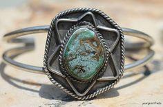 Vintage Southwestern Tribal Navajo Style 925 Sterling Silver & Turquoise Cuff Bracelet