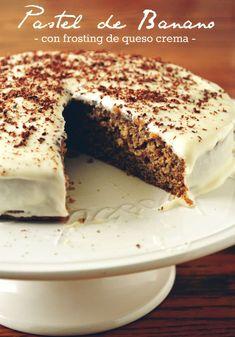 Pastel de Banano {Bajo en grasa} | con Frosting de Queso Crema! – Chewy 82 Muffin Recipes, Cake Recipes, Dessert Recipes, Desserts, Banana Pie, Banana Bread, Biscuit Bread, Food Therapy, Salty Foods