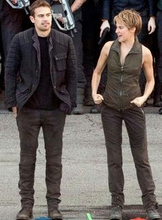 Behind the scenes oh Insurgent #Tris and Four(Shailene Woodley and Theo James)