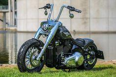 "Awesome custom bike Harley-Davidson Softail Fat Boy ""Phynix"" by Thunderbike. Harley Davidson Chopper, Harley Davidson Street Glide, Harley Davidson Sportster, Harley Davidson Kleidung, Harley Fatboy, Davidson Bike, Harley Davidson Pictures, Harley Davidson Wallpaper, Sportster Chopper"