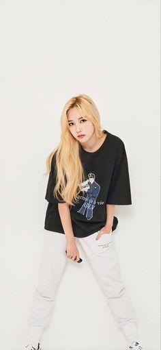 Pretty Korean Girls, South Korean Girls, Korean Girl Groups, Nayeon, Blonde Asian, Myoui Mina, Dahyun, One In A Million, Korean Beauty