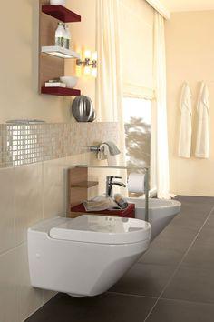 Bagno con doccia in mosaico sotto finestra ristrutturazioni by edilgrippa pinterest - Villeroy boch piastrelle ...