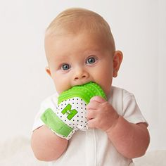 Amazon.com : Munch Mitt Teething Mitten is Teether That Stays on Baby's Hand for Self-Soothing Pain Relief, Green : Baby