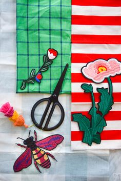 DIY Gucci Inspired Tea Towels Easy Craft Projects, Weekend Projects, Color Crafts, Fun Crafts, Ironing Pad, Homemade Mothers Day Gifts, Quick And Easy Crafts, Crafty Fox, Iron On Vinyl