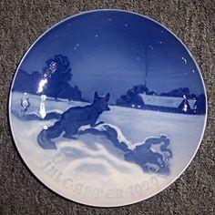 Bing & Grondahl Christmas plate: Fox Outside Farm