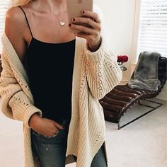 The must have cardigan   shop here   www.liketoknowit/herstyledview.com   chunky cardigan, date night outfit, how to style, cardigan, casual, outfit, casual outfit ideas, mom style, quick outfit ideas, everyday outfit,